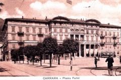 al piazza Farini rosa